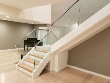 Perfect Glass Staircase Design Ideas 06
