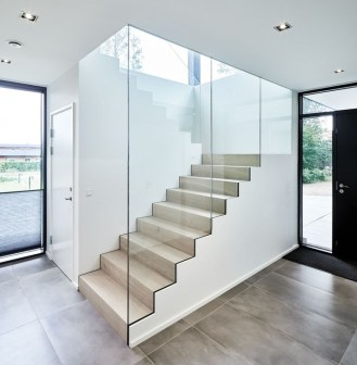 Perfect Glass Staircase Design Ideas 41
