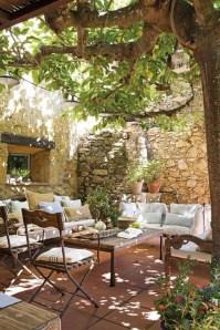 Romantic Backyard Garden Ideas You Should Try 01