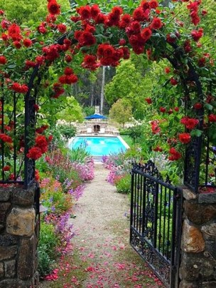 Romantic Backyard Garden Ideas You Should Try 07