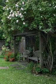 Romantic Backyard Garden Ideas You Should Try 47