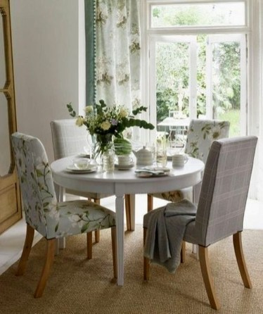 Simple Dining Room Design Ideas For Small Space 51