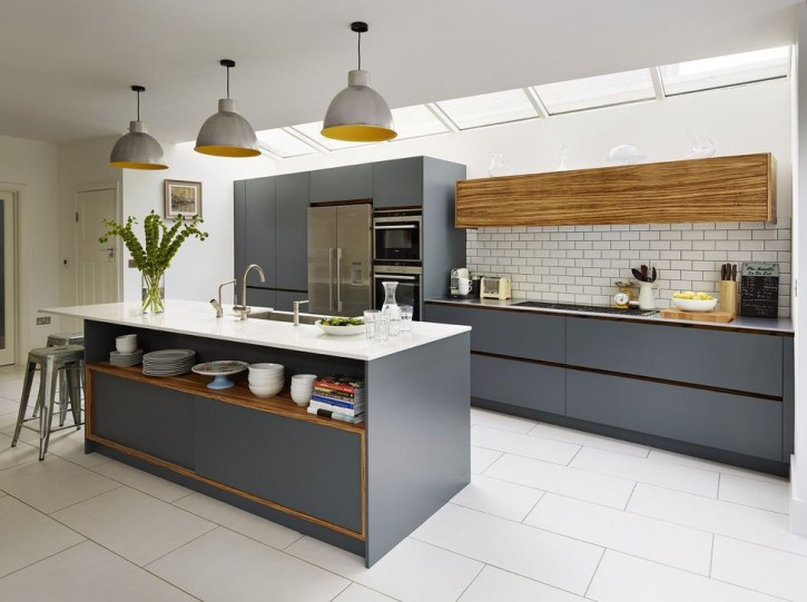 Stunning Dark Grey Kitchen Design Ideas 14