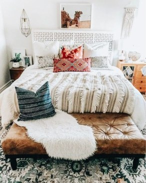 Totally Inspiring Bohemian Apartment Decor On A Budget 07