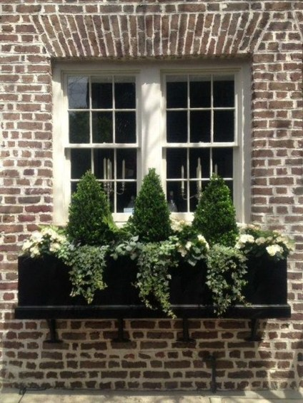 Wonderful Window Box Planters Yo Beautify Up Your Home 17