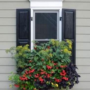 Wonderful Window Box Planters Yo Beautify Up Your Home 33