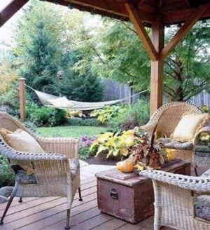Affordable Backyard Hammock Decor Ideas For Summer Vibes 02