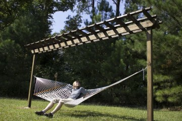 Affordable Backyard Hammock Decor Ideas For Summer Vibes 40