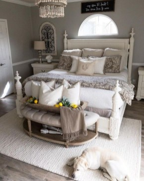 Charming Bedroom Furniture Ideas To Get Farmhouse Vibes 17