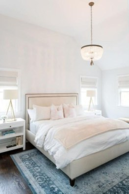 Lovely Bedroom Ideas With Beautiful Rug Decoration 06