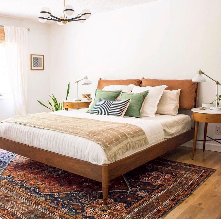 Lovely Bedroom Ideas With Beautiful Rug Decoration 43