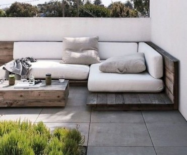 Magnificient Outdoor Lounge Ideas For Your Home 48