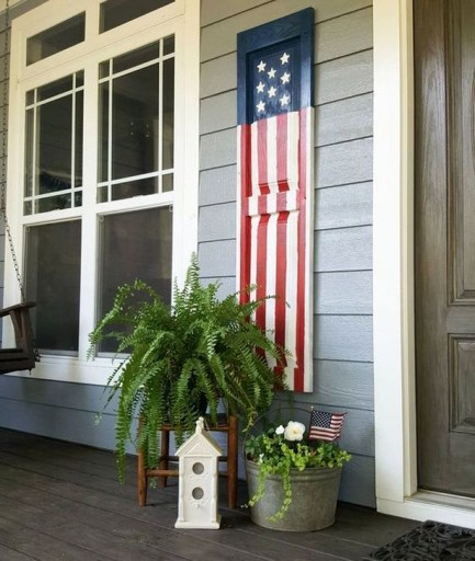 Super Patriotic Porch Independence Day Decoraion Ideas 06