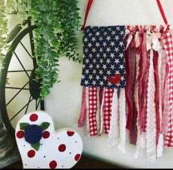 Super Patriotic Porch Independence Day Decoraion Ideas 14