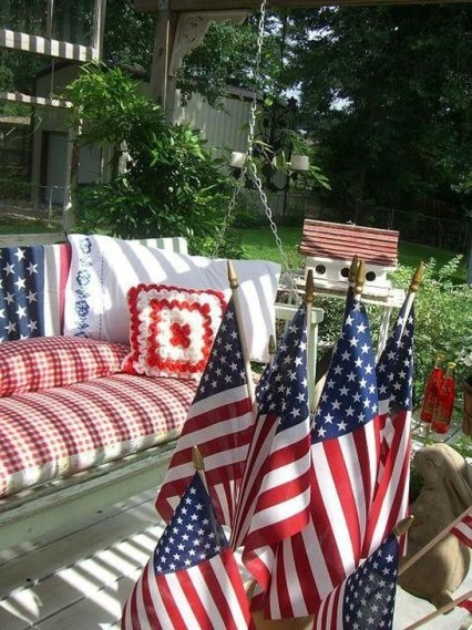 Super Patriotic Porch Independence Day Decoraion Ideas 33
