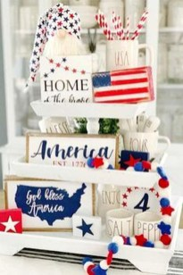 Super Patriotic Porch Independence Day Decoraion Ideas 35