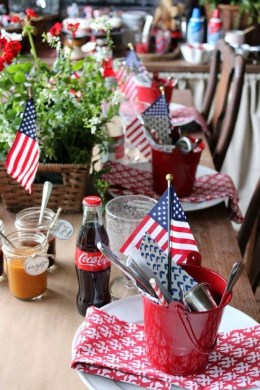Unique Farmhouse Fourth July Decor Ideas That Inspire You 07