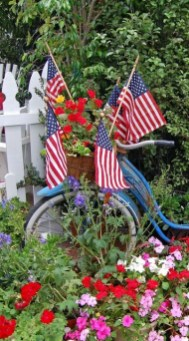 Unique Farmhouse Fourth July Decor Ideas That Inspire You 21