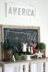 Unique Farmhouse Fourth July Decor Ideas That Inspire You 37
