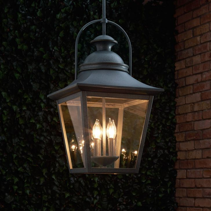 Classy Traditional Outdoor Lighting Ideas For Your House 47