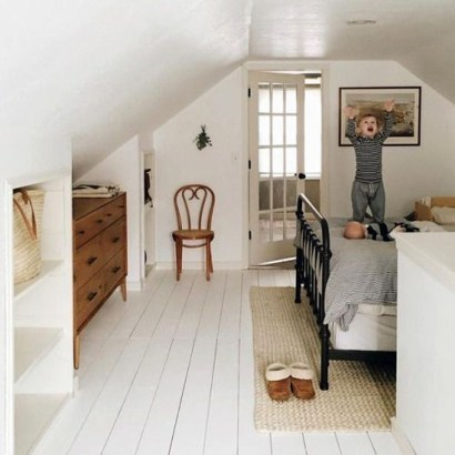 Comfy Attic Bedroom Design And Decoration Ideas 10