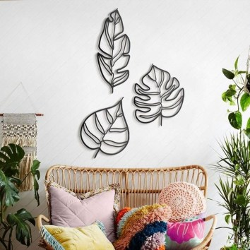Fabulous Metal Wall Decor Ideas For Your Living Room 25