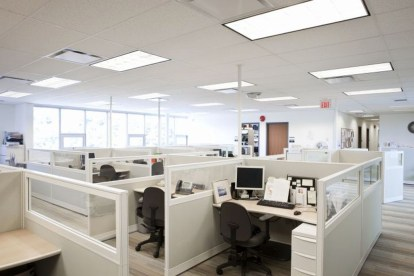 Gorgeous Cubicle Workspace To Make Your Work More Better 15