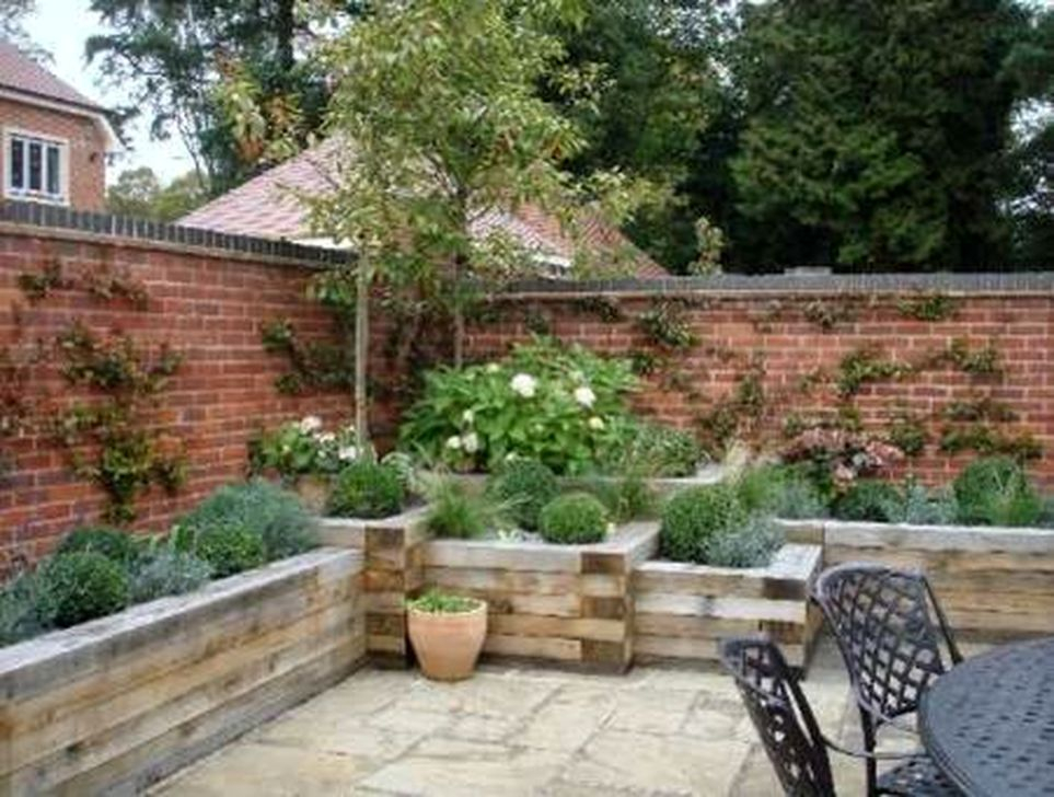 Impressive Seating Area In The Garden For Decoration 40