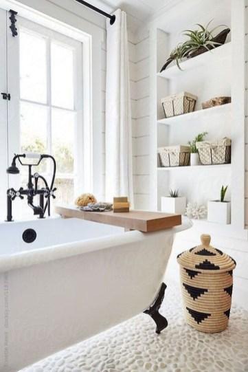 Inspiring Bathroom Decoration Ideas With Farmhouse Style 37