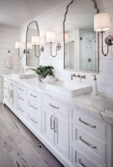 Inspiring Bathroom Decoration Ideas With Farmhouse Style 41