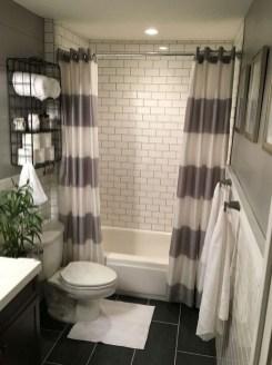 Inspiring Bathroom Decoration Ideas With Farmhouse Style 42