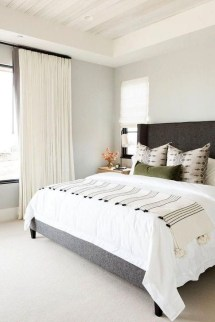 Outstanding Striped Ceiling Bedroom Decoration Ideas 06