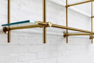Perfect Glass Shelves Ideas For Bathroom Design 40