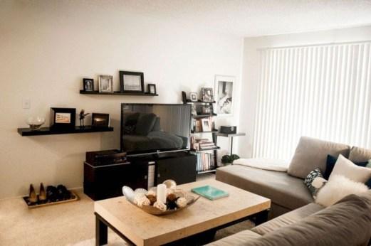Romantic DIY Couple Apartment Decoration Ideas 06