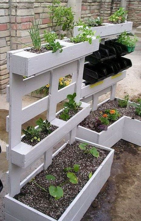 Stunning DIY Garden Bed To Beautify Your Backyard 01