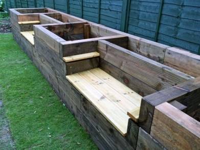 Stunning DIY Garden Bed To Beautify Your Backyard 12