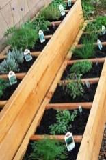 Stunning DIY Garden Bed To Beautify Your Backyard 34