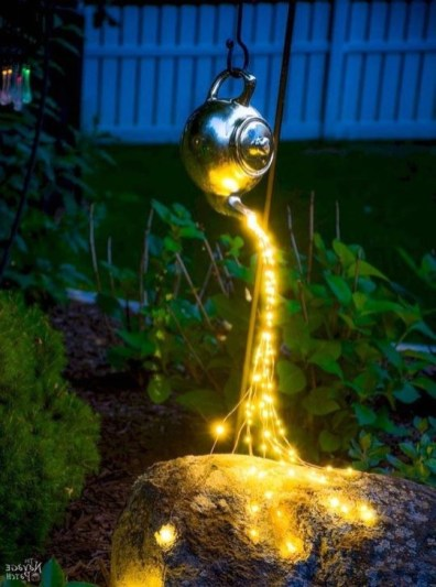 Astonishing Outdoor Lights For Decorating Backyards In Summer 20