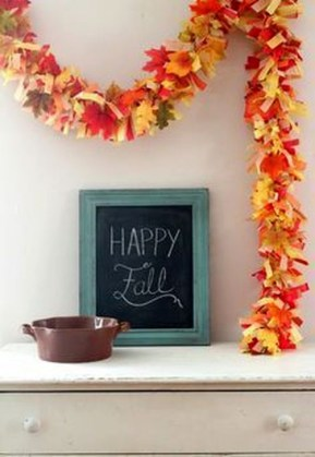 Easy And Simple Fall Garland Decoration Ideas 07
