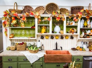 Easy And Simple Fall Garland Decoration Ideas 17