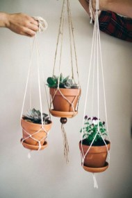 Inspiring DIY Vertical Plant Hanger Ideas For Your Home 05