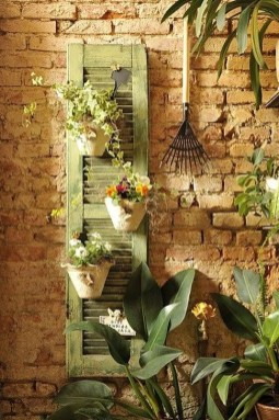 Inspiring DIY Vertical Plant Hanger Ideas For Your Home 15