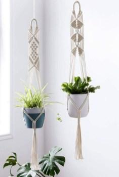 Inspiring DIY Vertical Plant Hanger Ideas For Your Home 28