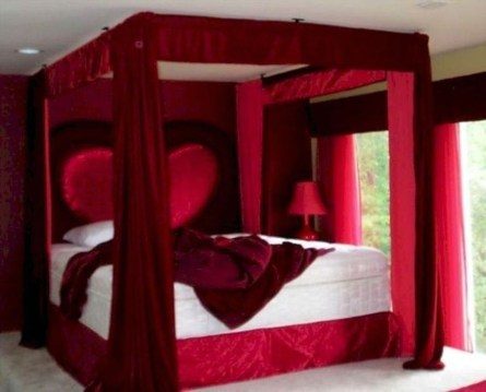 Magnificient Red Bedroom Decorating Ideas For You 32