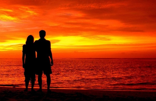 romantic-silhouette-love-landscape-nature-beautiful-red-sunset-sky-paradise-maldives-indian-ocean-couple-indian-ocean