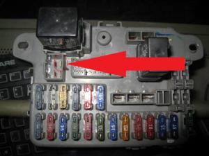 Fuse box continuity (starter wire)  HondaTech