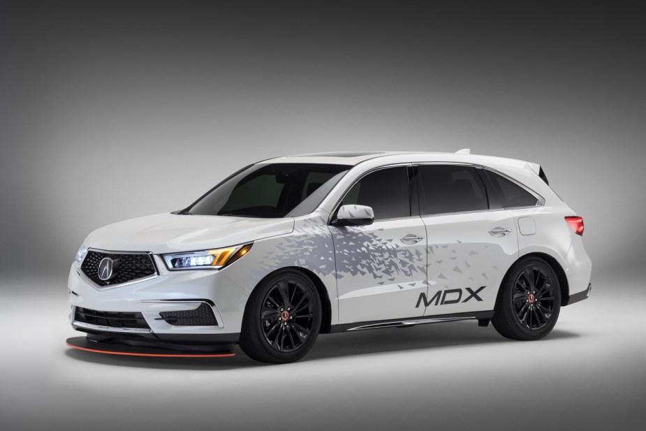 2017 Acura MDX / NSX GT3 / Custom Trailer