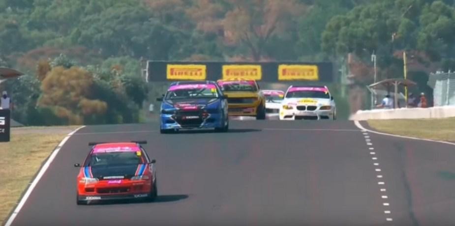 honda-tech.com australian mount panorama bathurst 12 hour race improved production EG civic amazing video pass