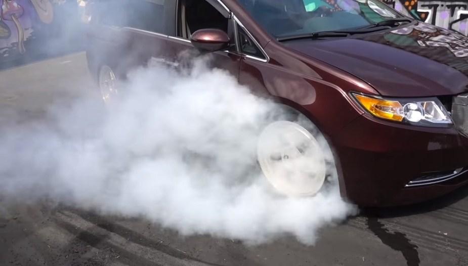 Honda-tech.com Bisimoto Honda Odyssey Minivan Burnout 1000 horsepower SEMA build