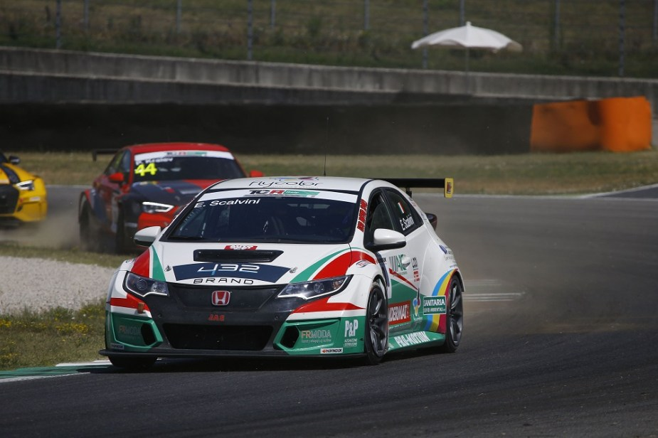 Honda Civic Type R racing in TCR Italy Series